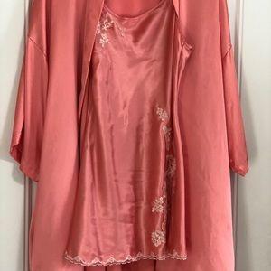 NWT Victoria's Secret Lace Nightgown Cover Robe S